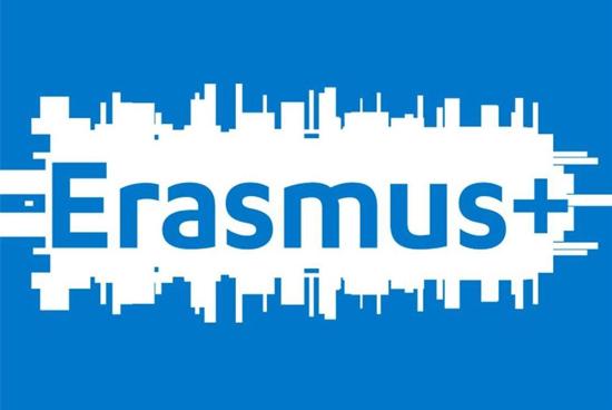 İzmir'de Mülteciler ve Göçmenler İçin Erasmus+ Eğitimi